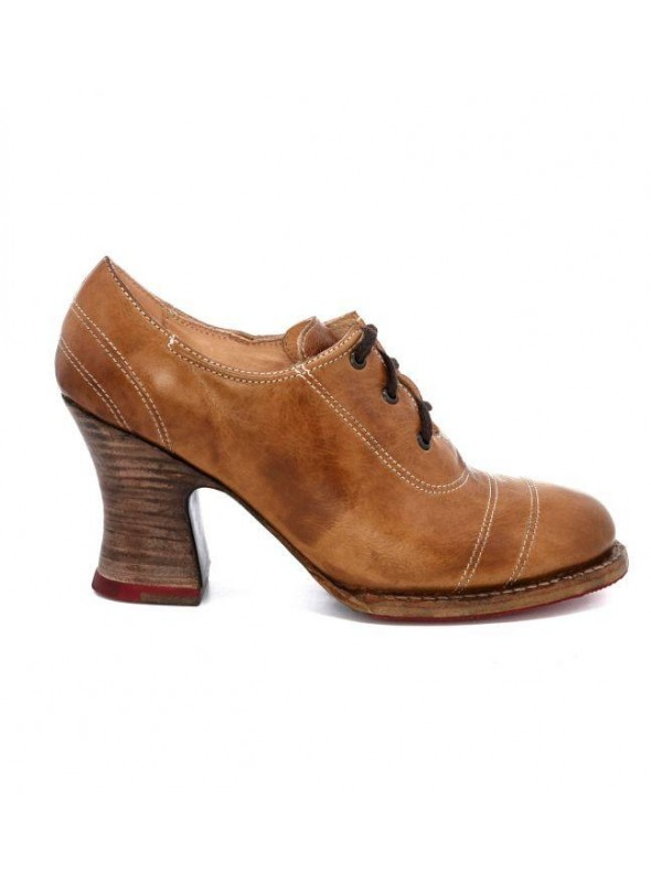 Victorian Style Leather Shoes in Tan Rustic