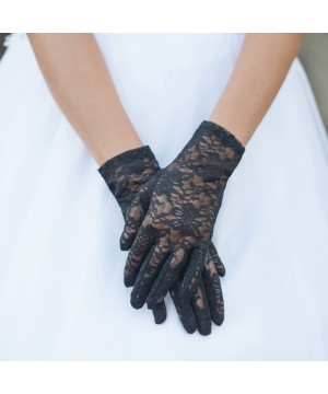Graceful in Lace Lady Mary Gloves in Black
